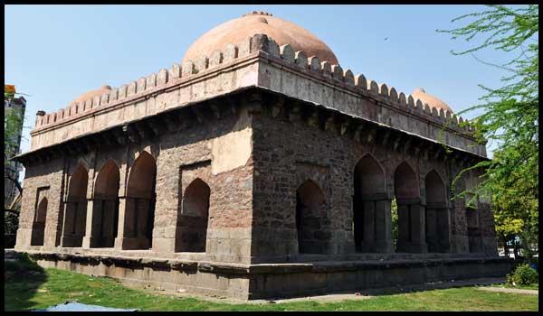 Barakhamba-Tomb3