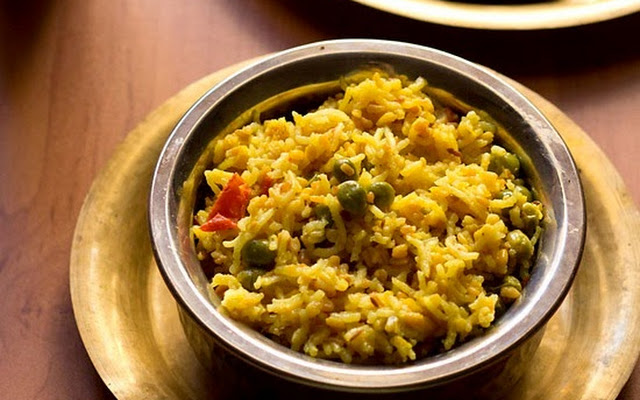 bengali-moong-dal-khichdi (1)