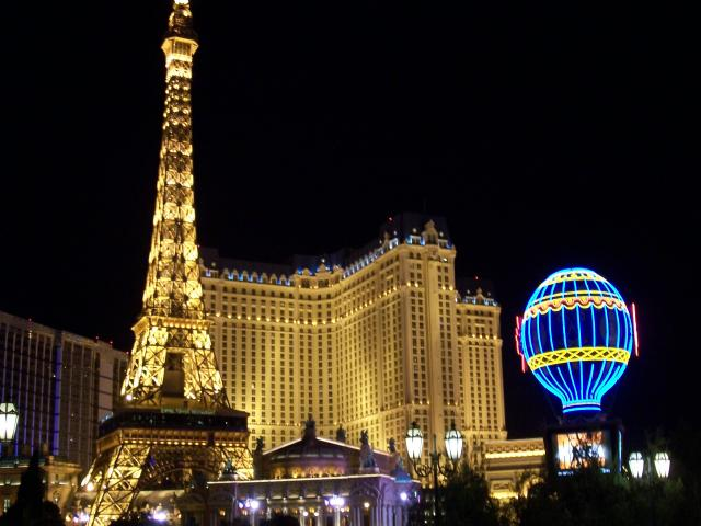 las-vegas-paris-eiffel-tower-5041