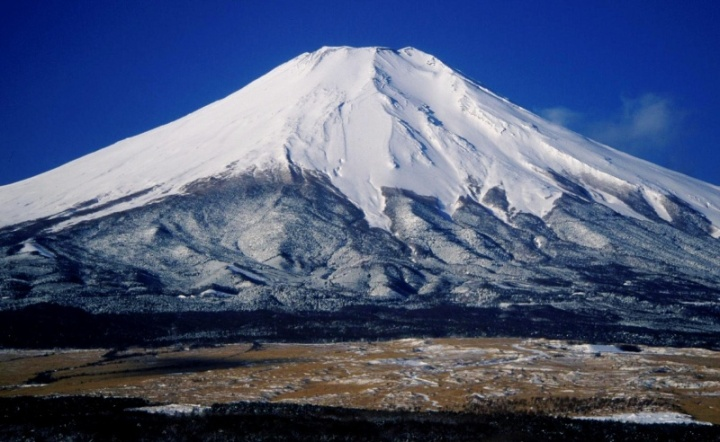 Mount_Fuji_from_Hotel_Mt_Fuji_1995-2-71