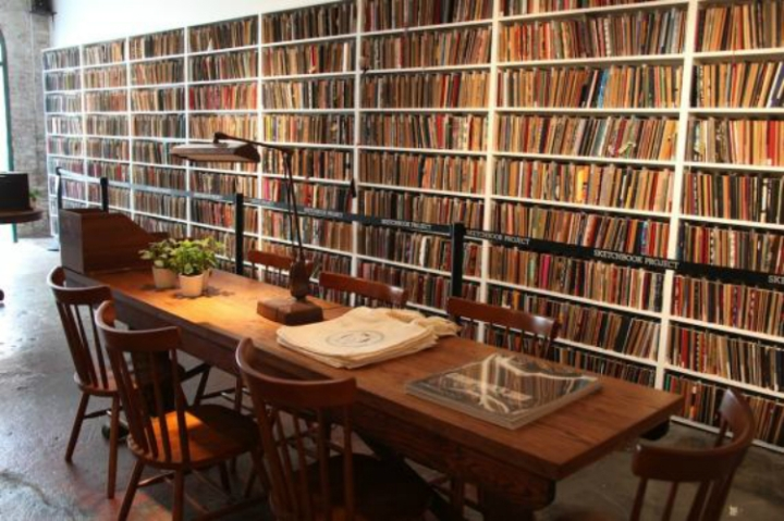 Secret-Libraries-of-New-York-City-brooklyn-art-library