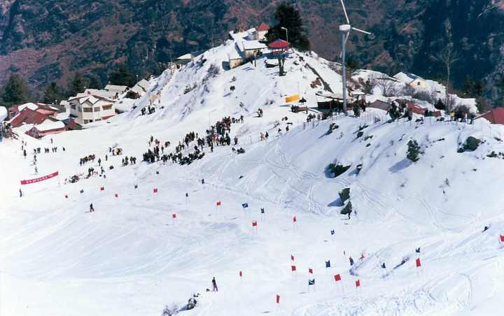 skiing coaching auli