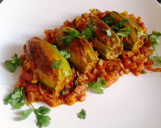 Stuffed-Pointed-Gourd-with-shrimps-Potoler-Dolma