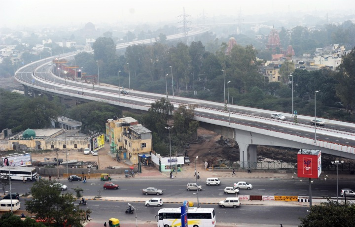 Barapulla Elevated Road (Delhi's Longest Flyover) connecting Sarai Kale Khan to Jawaharlal Nehru Stadium opened on December 7, 2010. Photo shows the commuters using the flyover.