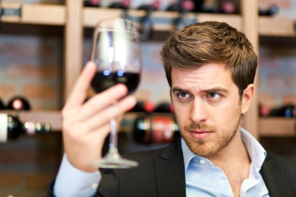 wine-tasting-man