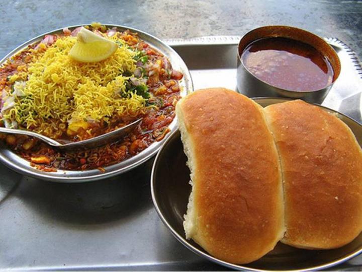 Bedekar-Misal-Pune-Maharashtrian-Restaurants1