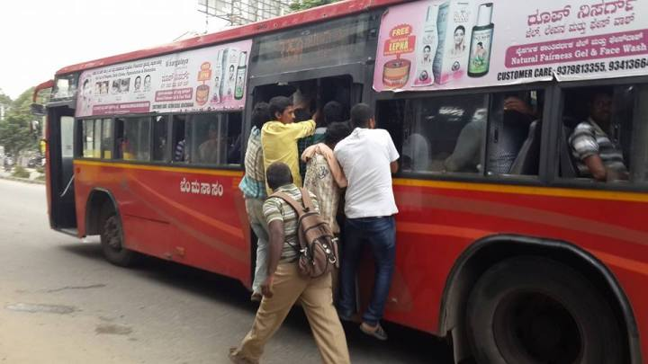BMTC_crowded_bus
