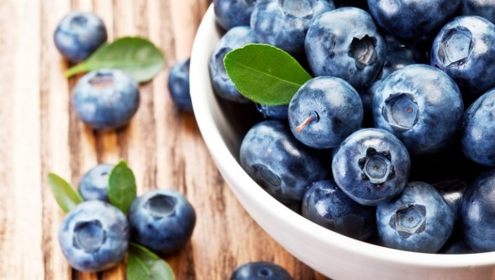 Bowl-of-blueberries-1836-751x426